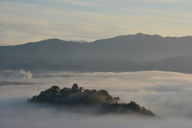 恐竜博物館周辺の見どころ 天空の城越前大野城(亀山城)